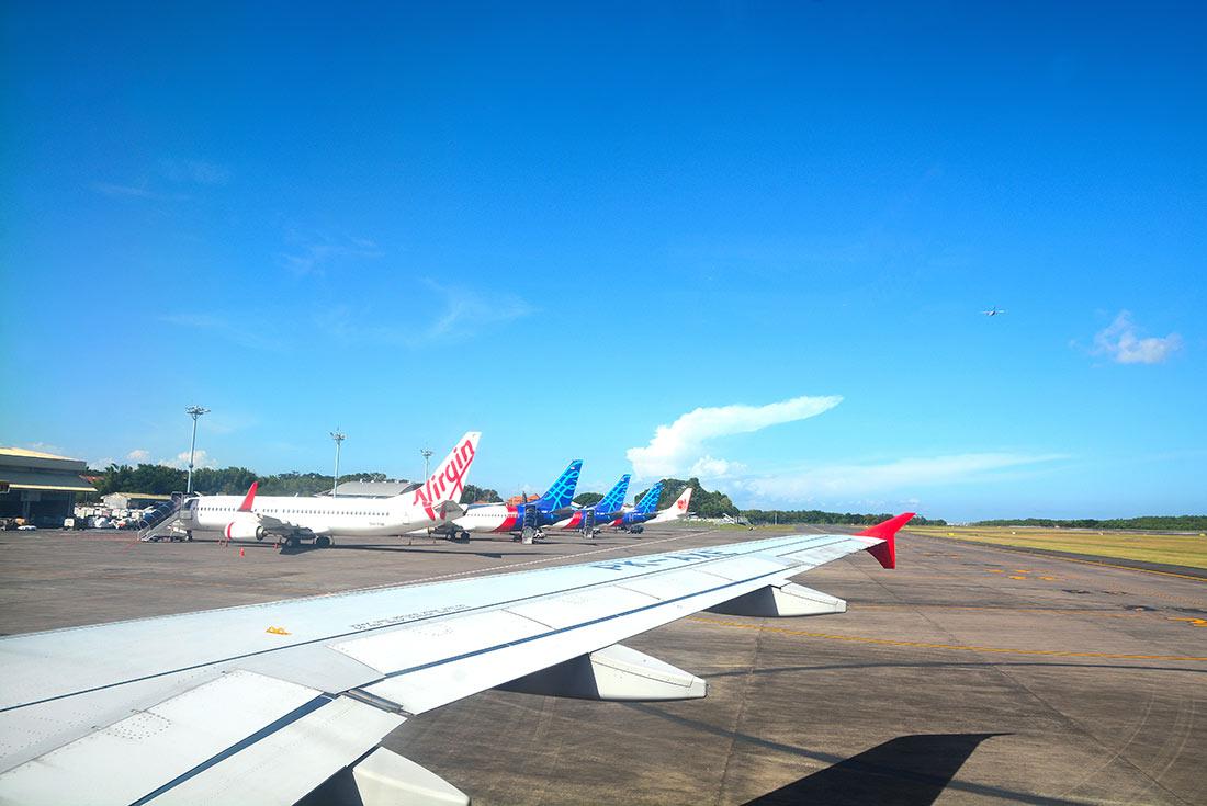 Einreise mit kostenlosen Visa-Stempel am Flughafen Ngura Rai in Denpasar, Auslandsvertretungen und Konsulate informieren