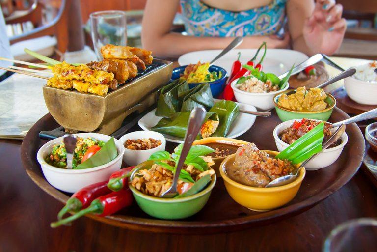 Essen und Trinken auf Bali